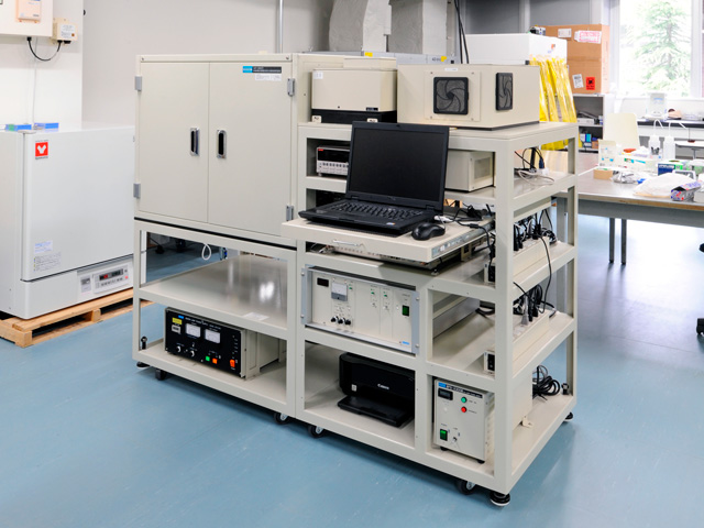 IPCE and I-V measurment equipment for organic thin-film solar cells